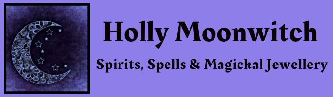 hollymoonwitch.co.uk